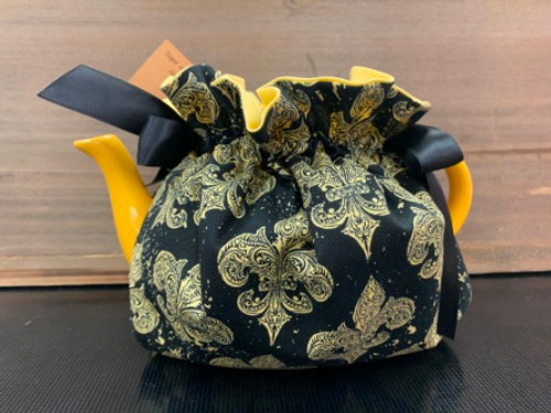 Fleur de Lis Tea Cozy with Yellow Teapot