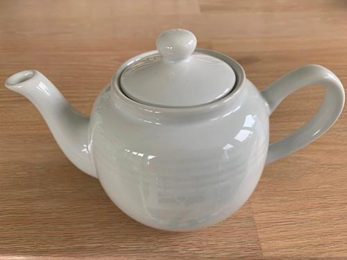white tea pot, 3 cup tea pot