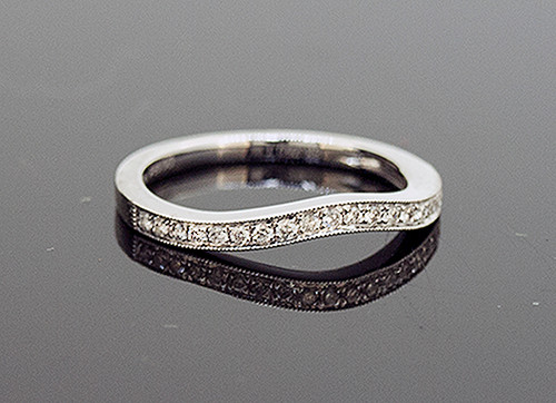DC10775 LADIES CURVED DIAMOND WEDDING RING