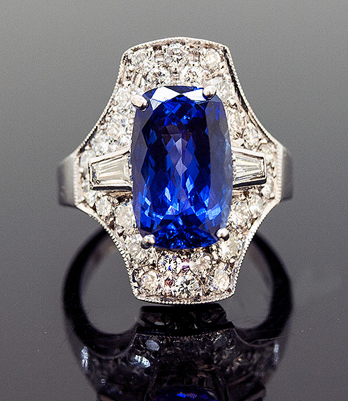RPG10249 TANZANITE AND DIAMOND RING 18K
