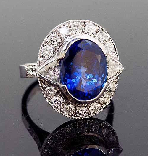 RPG10256 TANZANITE AND DIAMOND RING 18K