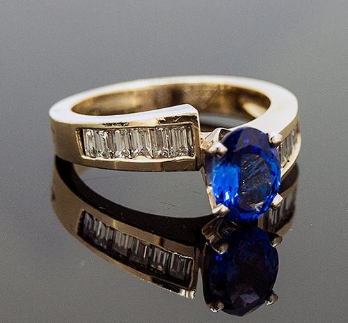 RSP10078 TANZANITE AND DIAMOND RING 14K