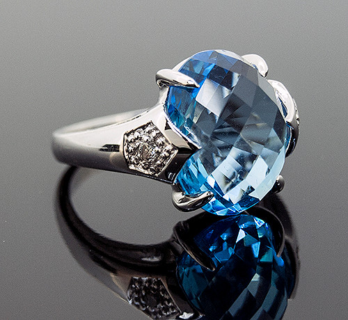 GBC11011 BLUE TOPAZ AND DIAMOND RING 14K