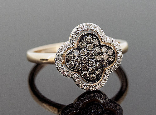 AAR10270 CHOCOLATE AND WHITE DIAMOND RING 14K