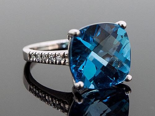 RPG10293 BLUE TOPAZ AND DIAMOND RING 14K