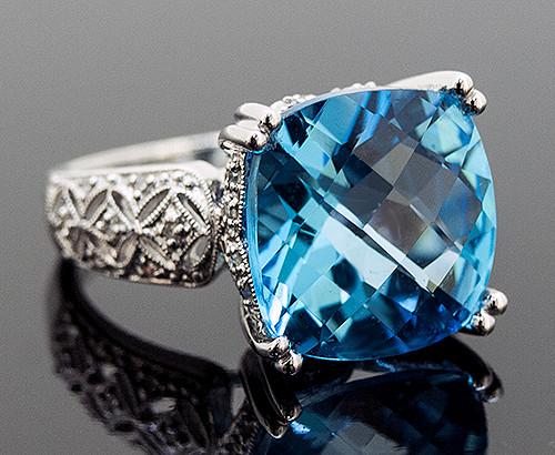 WLC10010 BLUE TOPAZ AND DIAMOND RING 14K