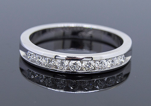 GBC12130 CHANNEL SET DIAMOND WEDDING BAND 14KW