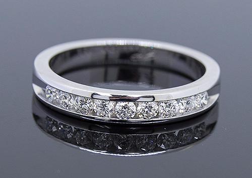 GBC12130 CHANNEL SET DIAMOND WEDDING BAND 14KW