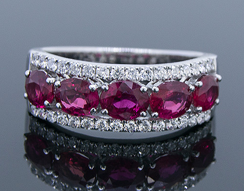 GBC12147 RUBY AND DIAMOND BAND RING 14KW