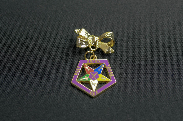 Past Appointed Grand Officer Charm Pin - Sentinel