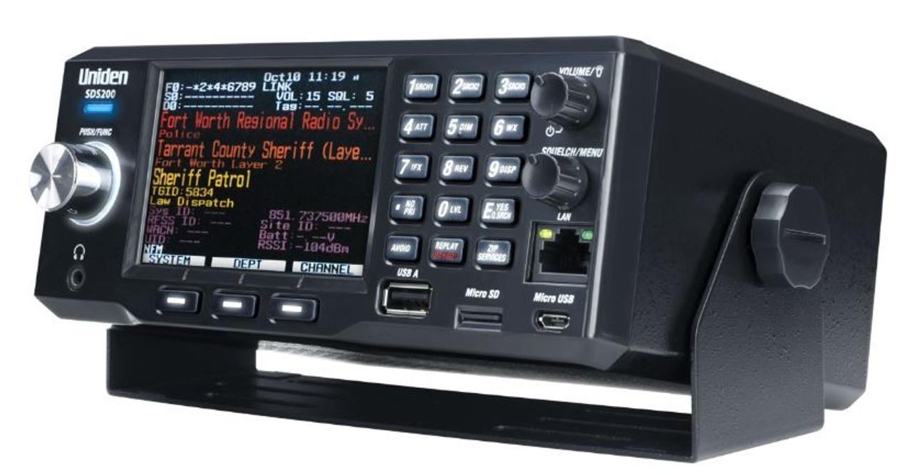 Uniden SDS200 True I/Q™ TrunkTracker X Base/Mobile Scanner
