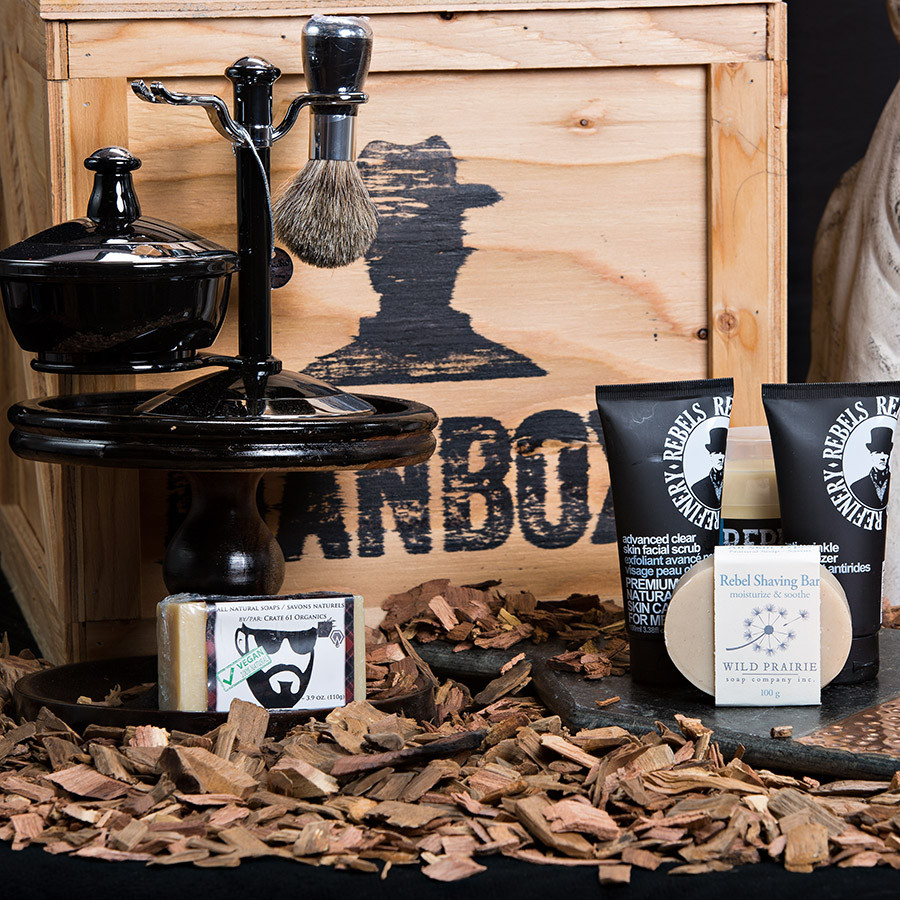•	Keepsake Canadian Made Manbox •	4 Piece Executive Shave Kit •	Beard Soap •	Rebel's Refinery Anti-Wrinkle Moisturizer •	Rebel's Refinery Advance Clear Skin Facial Scrub •	Rebel Shave Bar
