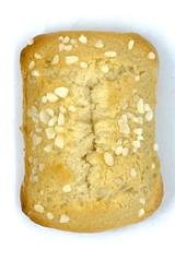 The perfect mini almond cake.