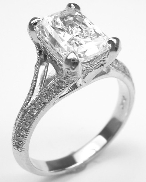 Antique Split Shank Diamond Ring - CDG0162