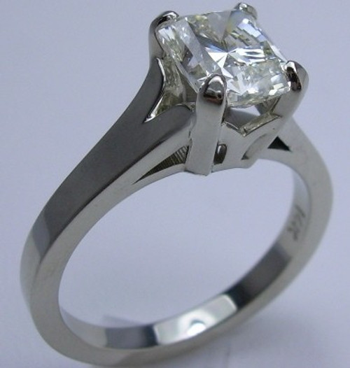 Basket Set Solitaire Engagement Ring - CDG0192