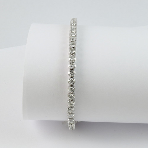 3.72ct tw Round Diamond Tennis Bracelet