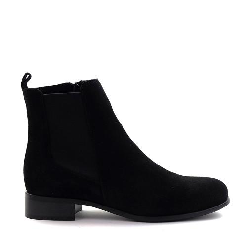 La Canadienne Salem Boot in black side view - Hanig's Footwear