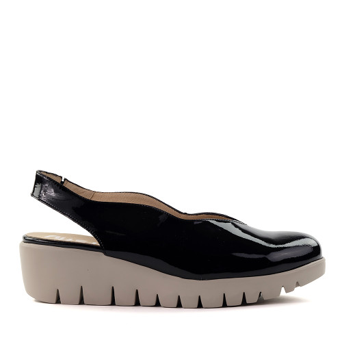 Wonders C-33161 Black patent side view - Hanig's Footwear