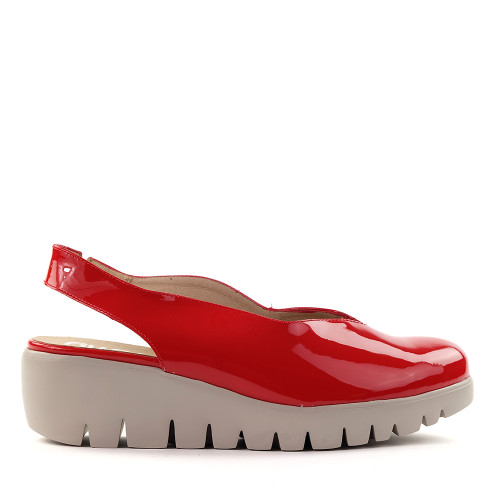 Wonders C-33161 Red patent side view - Hanig's Footwear