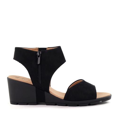 Hirica Clovis Black side view - Hanig's Footwear