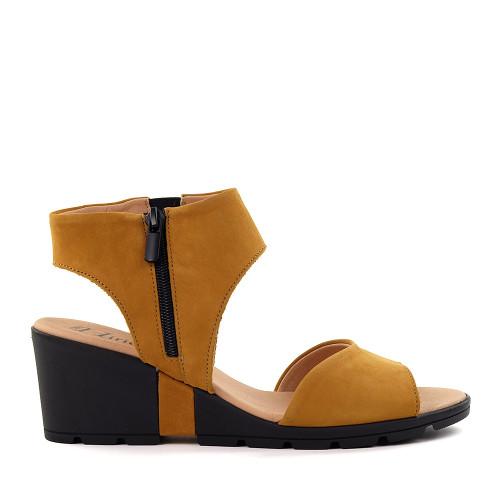 Hirica Clovis ocre side view - Hanig's Footwear