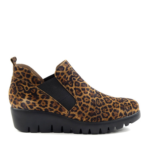 Wonders C-33176  Leopard side view  - Hanigs Footwear