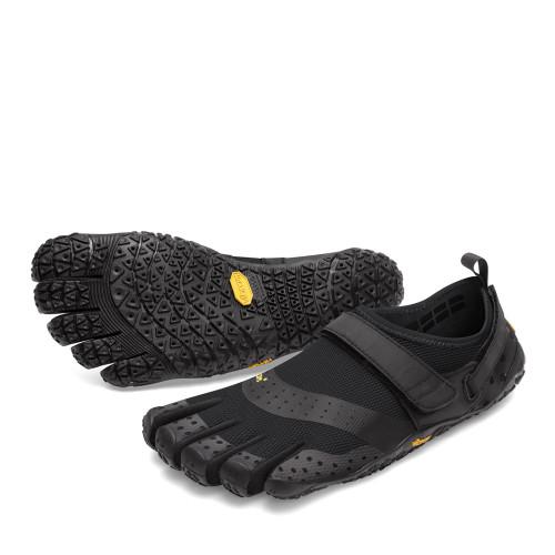 Vibram V-Aqua Black angle view - Hanig's Footwear