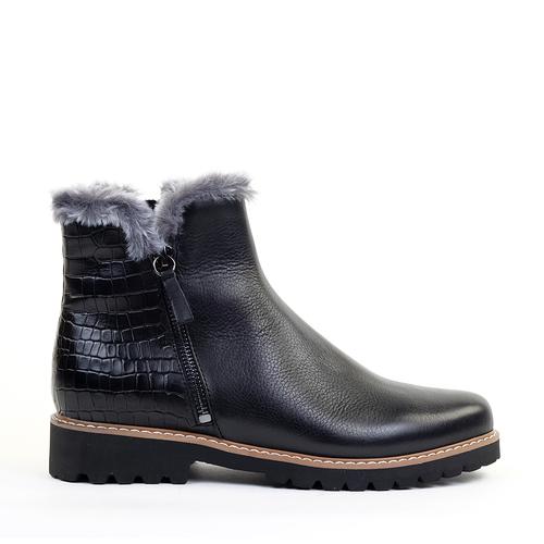 Regarde le Ciel Vivian-05 Black Leather side view - Hanig's Footwear