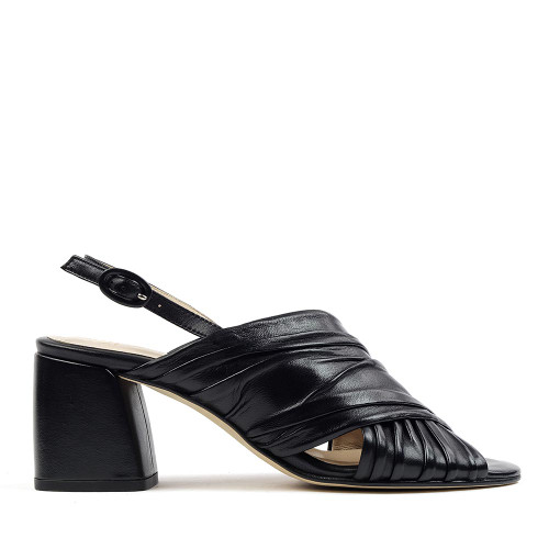 Lorenzo Masiero S192703 Black heel side view