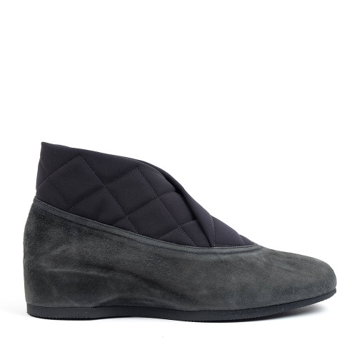 Thierry Rabotin Mahaia 2301 Charcoal Suede side view - Hanig's Footwear