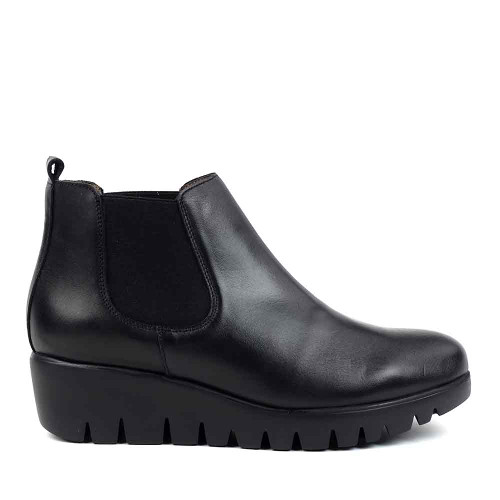 Wonders C-33138 Black Leather side view  - Hanigs Footwear