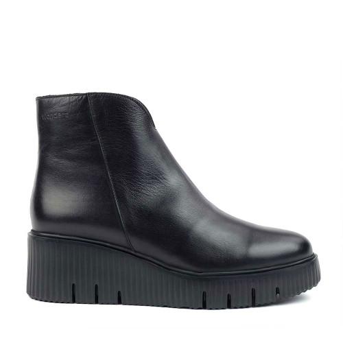 Wonders E-6210 Black side view - Hanig's Footwear