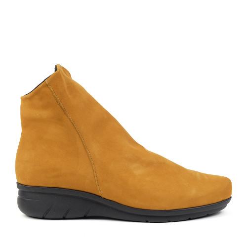 Hirica Dayton ocre side view - Hanig's Footwear