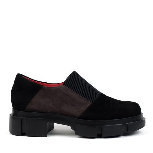 Pas De Rouge 2630 Black Suede side view - Hanig's Footwear