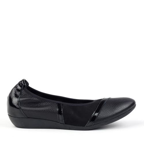 Arche Onyzan Black side view - Hanig's Footwear