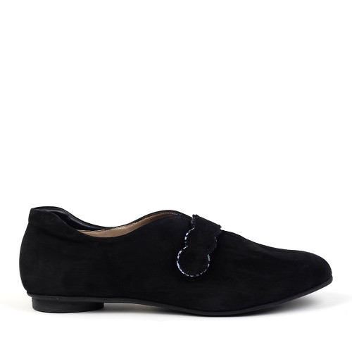 BeautiFeel Gwen Black Flat side view - Hanig's Footwear