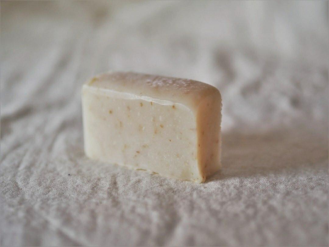 Oatmeal & coconut facial/baby soap 60g