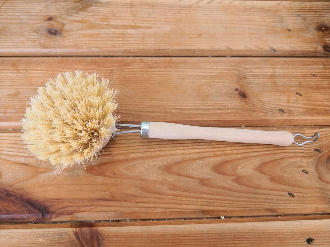 Tampico fibre scrubbing brush
