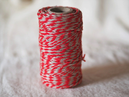 Red & Natural flax yarn