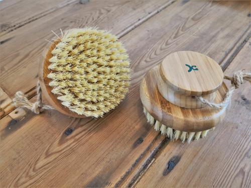 Round bamboo massage brush