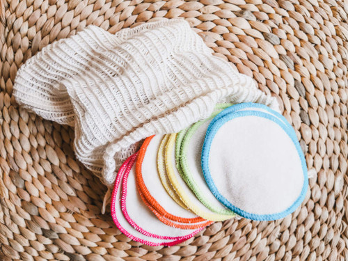 10 Organic Make Up Remover Wipes and Wash Bag