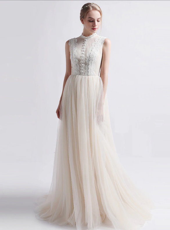 Champagne Tulle Lace Sleeveless Button Wedding Dress