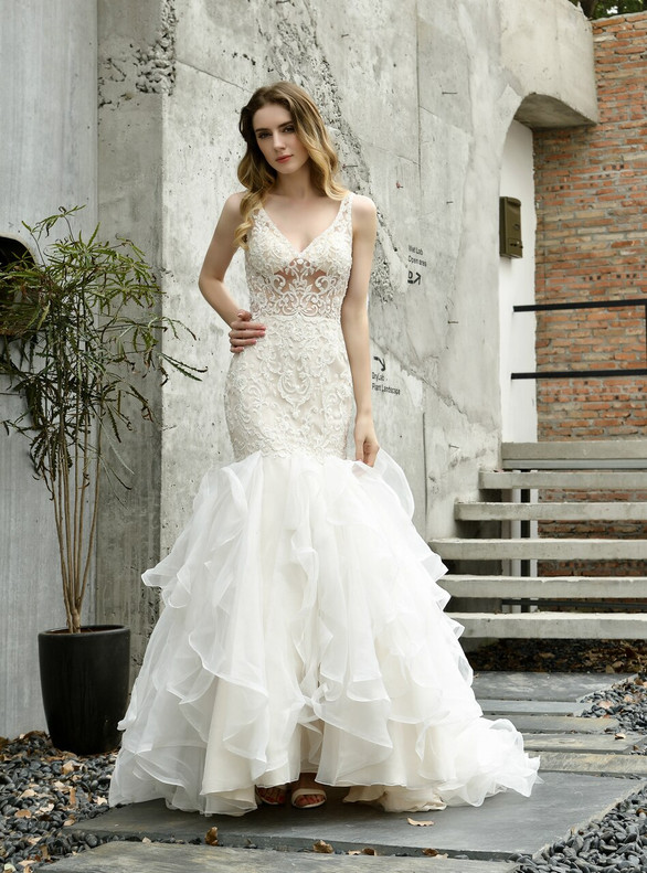 Mermaid Tulle V-neck Appliques Beading Champagne Wedding Dress
