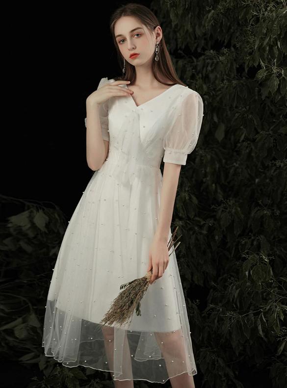 White V-neck Tulle Short Sleeve Wedding Dress