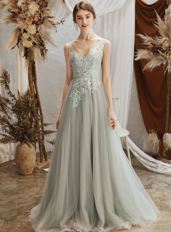 Gray Tulle V-neck Backless Sleeveless Appliques Wedding Dress