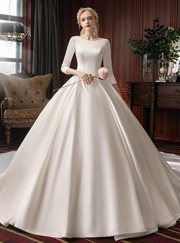 Trendy White Sastin Scoop 3/4 Sleeve Wedding Dress