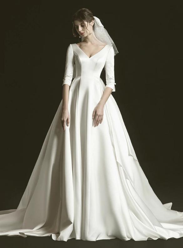 Dreamy White V-neck Short Sleeve Wedding Dress
