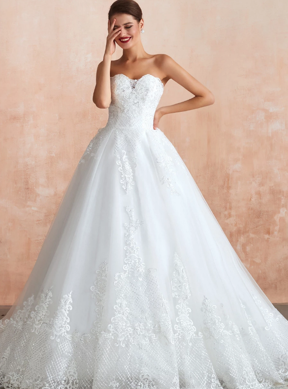White Tulle Sweetheart Sequins Appliques Wedding Dress