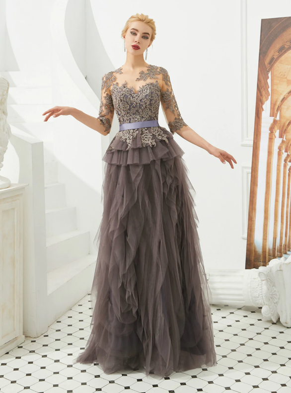 Gray Tulle Short Sleeve Appliques Prom Dress