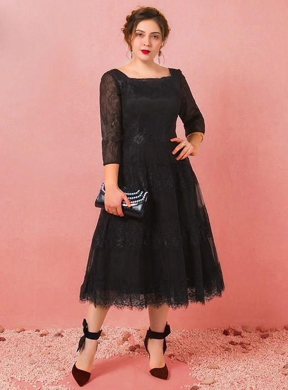 Plus Size Black Lace Square Short Sleeve Prom Dress